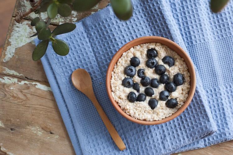 Oatmeal camilan yang sehat, Sumber : ibudanbalita.com