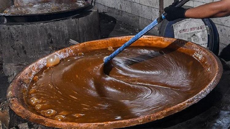 Proses pembuatan dodol, Sumber : ramadan.tempo.co